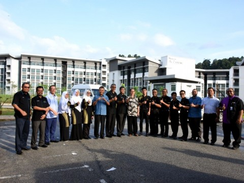 Visit by the Honorary Rector and UMC members to Centre for Foundation Studies (CFS), Gambang Campus