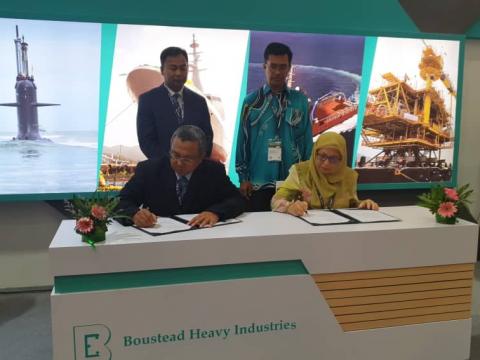 Collaboration Agreement (CA) Ceremony between International Islamic University Malaysia (IIUM) and Boustead Naval Shipyard (BNS) Sdn. Bhd.