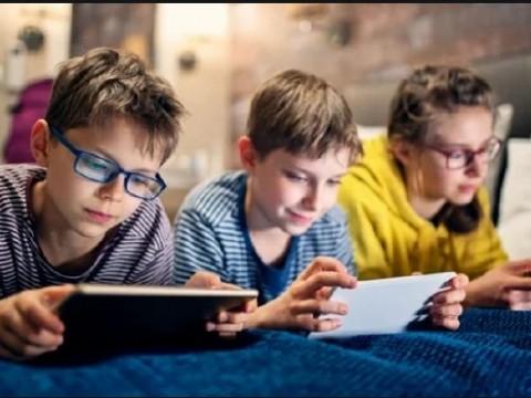 Ibu bapa perlu pantau aktiviti dalam talian anak