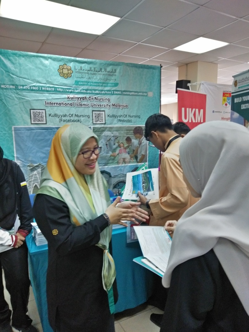 Kulliyyah Promotion Activities in Perak Matriculation College