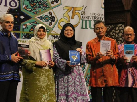 IIUM celebrates Quality Day 2018 with 97 awards presented to staff