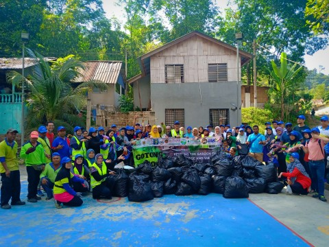 IIUM FLAGSHIP: Gotong Royong 6.0 at Kampung Orang Asli, Batu 12 Gombak