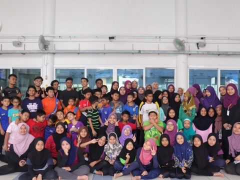 Children as part of 'Ummatus Solehah' benefit from SENDI Club