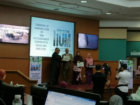 Ceremony of Handling Over of IIUM Accountability Starter Kit to Deans and Directors